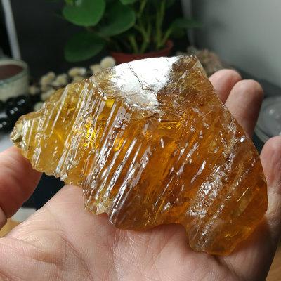 [友克鑫礦業]33約重198.1g琥珀色黃方解石Calcite蜜糖色霰石Aragoni原礦 晶簇 晶塊 晶柱 水晶柱 水