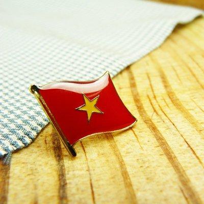 單旗徽章。越南10個,美國5個。共15枚