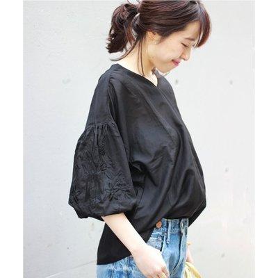 【三件7折】Spick and Span 刺繡燈籠袖V領blouse