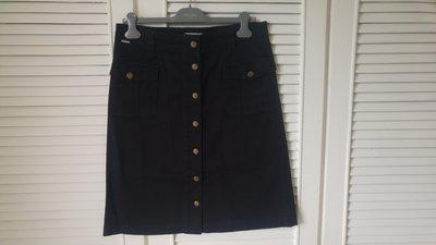 Burberry 深藍黑復古金釦及膝裙
