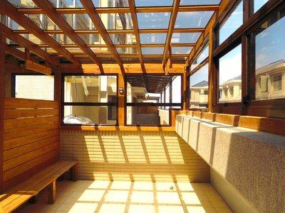 頂樓。採光。玻璃屋。玻璃。透光、遮陽、低聲響、環保、隔熱 【園匠工坊】免費到府估價