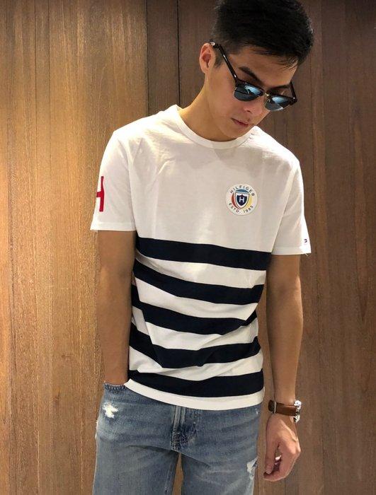 美國百分百【Tommy Hilfiger】T恤 TH 男 圓領 T-shirt 短袖 短T 條紋 白色 I908
