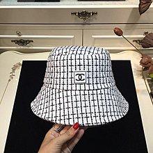 ✤寵愛Pamper for you✤CHANEL 格子遮陽漁夫帽