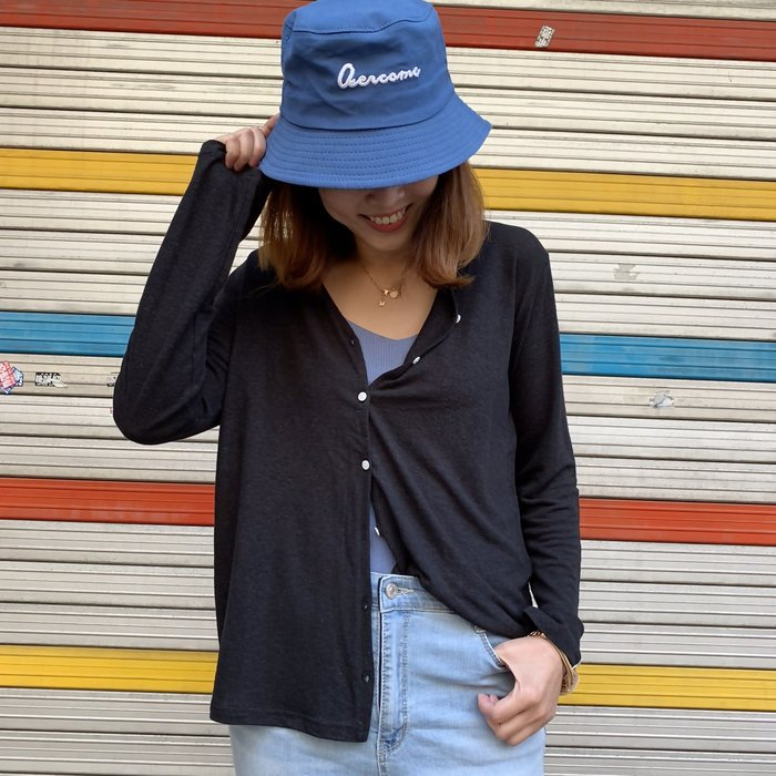 正韓【Meet Shop】Aug-14 V領超柔軟透膚排釦針織外套 經典黑 顯瘦 現貨