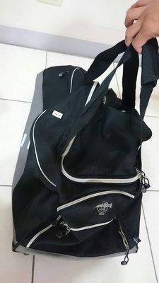 Hard Rock行李袋。(有輪子)