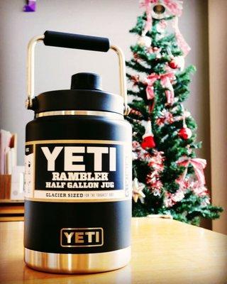 【优職人 台灣現貨 】YETI Rambler Half-Gallon Jug 半加侖 冰桶 水壺 保溫壺 黑色