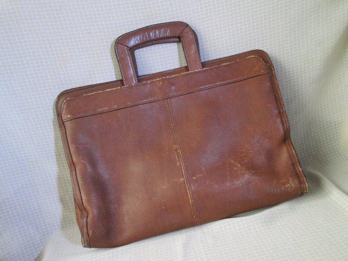 80年代 懷舊 復古古著 VINTAGE 老台灣LAND FAR 駝色真皮 軟式 手拿包 手提公事包 B044
