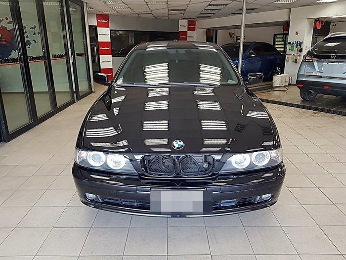 STANDOX 施得樂VOC頂級金油 全車烤漆 BMW E39 顏色:珍珠黑(303)