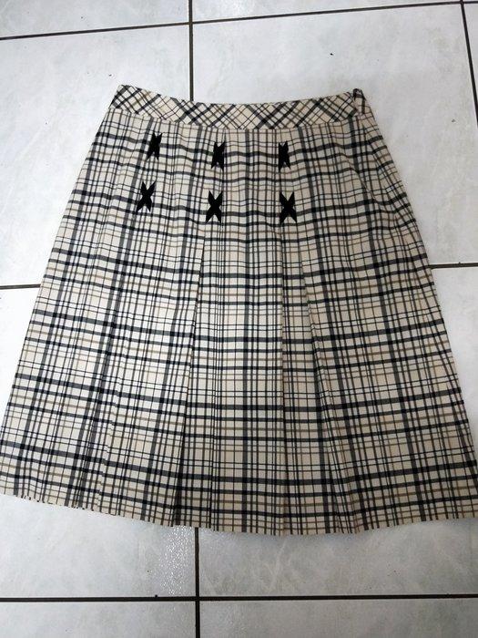 丹丹衣坊--優秀品牌蝴蝶結格紋裙
