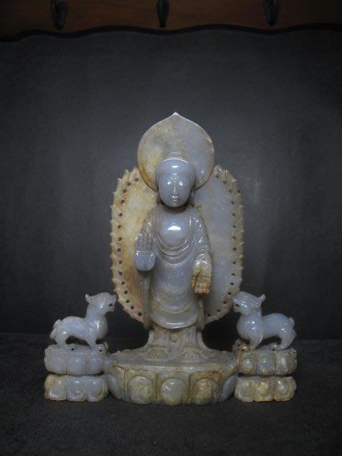 和闐玉雕◎  釋迦牟尼佛  神獸護法