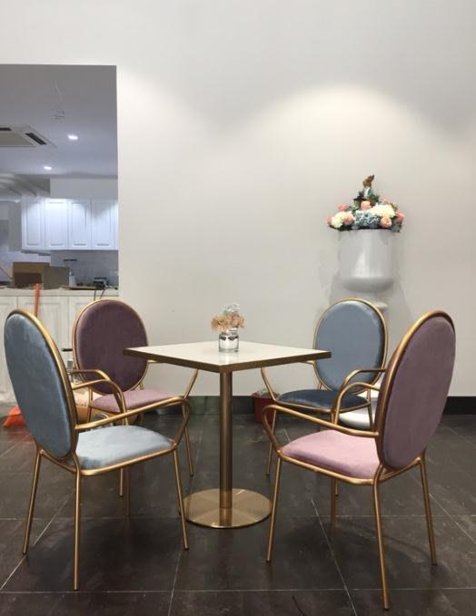 【美麗傢私店】北歐現代簡約創意設計師美容店椅家用餐椅休閑咖啡廳餐廳鐵藝椅子(賣場價格隨便定的 需跟客服確定好價格后購買 則不出貨)