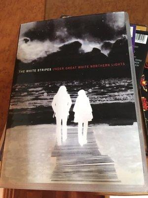 全新 DVD  White stripes / under great white northern lights