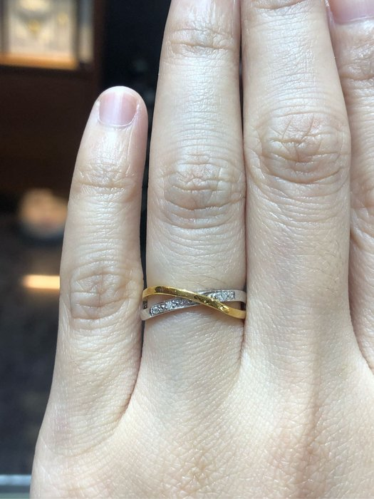 天然鑽石戒指,搭配18K金戒台,現金出清價5980元,只有一個要買要快