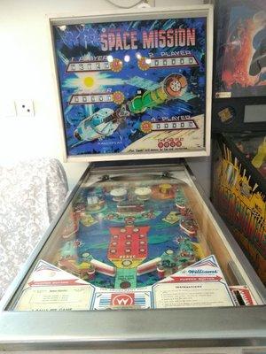 Space Mission-  1976年古董,絕版弹波子遊戲機。進口