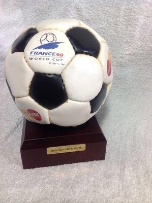FIFA 1998 世界盃足球賽(法國) 紀念球
