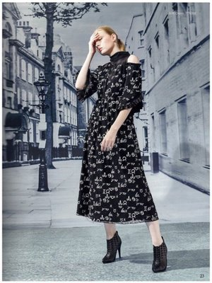 Selina~全新【洪秀女】露肩蕾絲網紗拼接喇叭袖連衣裙77630E---S