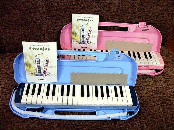 ☆ 唐尼樂器︵☆韓國 Angel 37鍵口風琴(學校指定用款)附琴盒及雙吹嘴(天空藍、粉紅色)