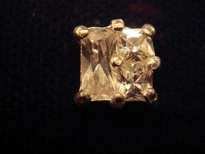 清倉大降價!全新美國 ICING 925純銀鑲方晶鋯石 Cubic Zirconia 方型耳環,低價起標無底價!免運費