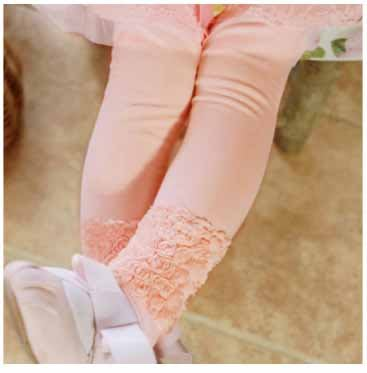 艾町Eyeing Shop  🈶現貨  女童夏天薄款 韓國品牌  粉色款內搭長褲  造型奢華玫瑰花內搭褲