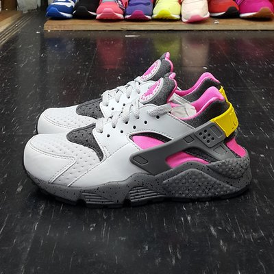 NIKE AIR HUARACHE RUN SE 灰色 桃紅色 桃粉色 黃色 武士鞋 慢跑鞋 852628-002