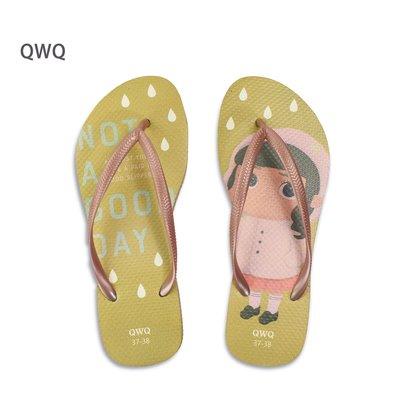 QWQ品牌 The Bad Rainy Day 新星城 文創設計款 薔葳金細帶女款拖鞋 -阿法.伊恩納斯 海灘拖