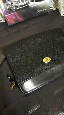 【borsalini】厚特殊皮質黑金屬LOGO多層公事包手拿包