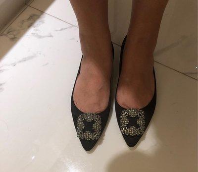 MANOLO BLAHNIK黑色基本款平底尖頭鞋