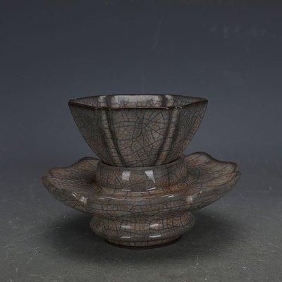 ㊣姥姥的寶藏㊣ 宋代哥窯金絲鐵線六方功夫茶杯茶託一套  出土文物古瓷器古玩收藏