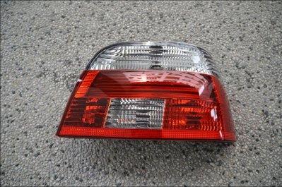 {阿勳精品}~ BMW E39 01-03 小改款後專用原廠型紅白後燈.尾燈..