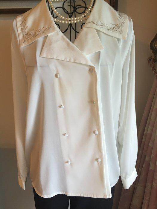日系氣質典雅刺繡衣領雙排扣襯衫 - 白色 (促銷商品)