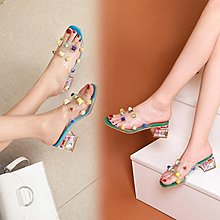 [Mofe蜜豆小店]彩色鉚釘透明粗跟露趾半拖涼鞋女外穿夏季少女半托高跟鞋外貿新款