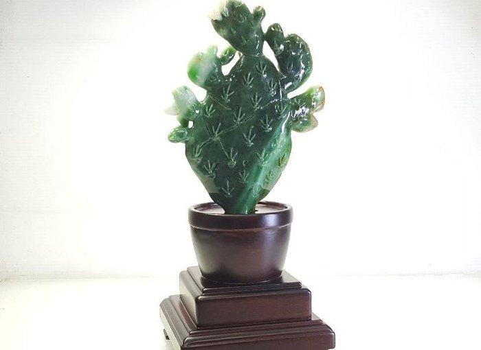 【連漢精品交流中心】緬甸翡翠A貨 飄陽綠精雕(仙人掌 )擺件