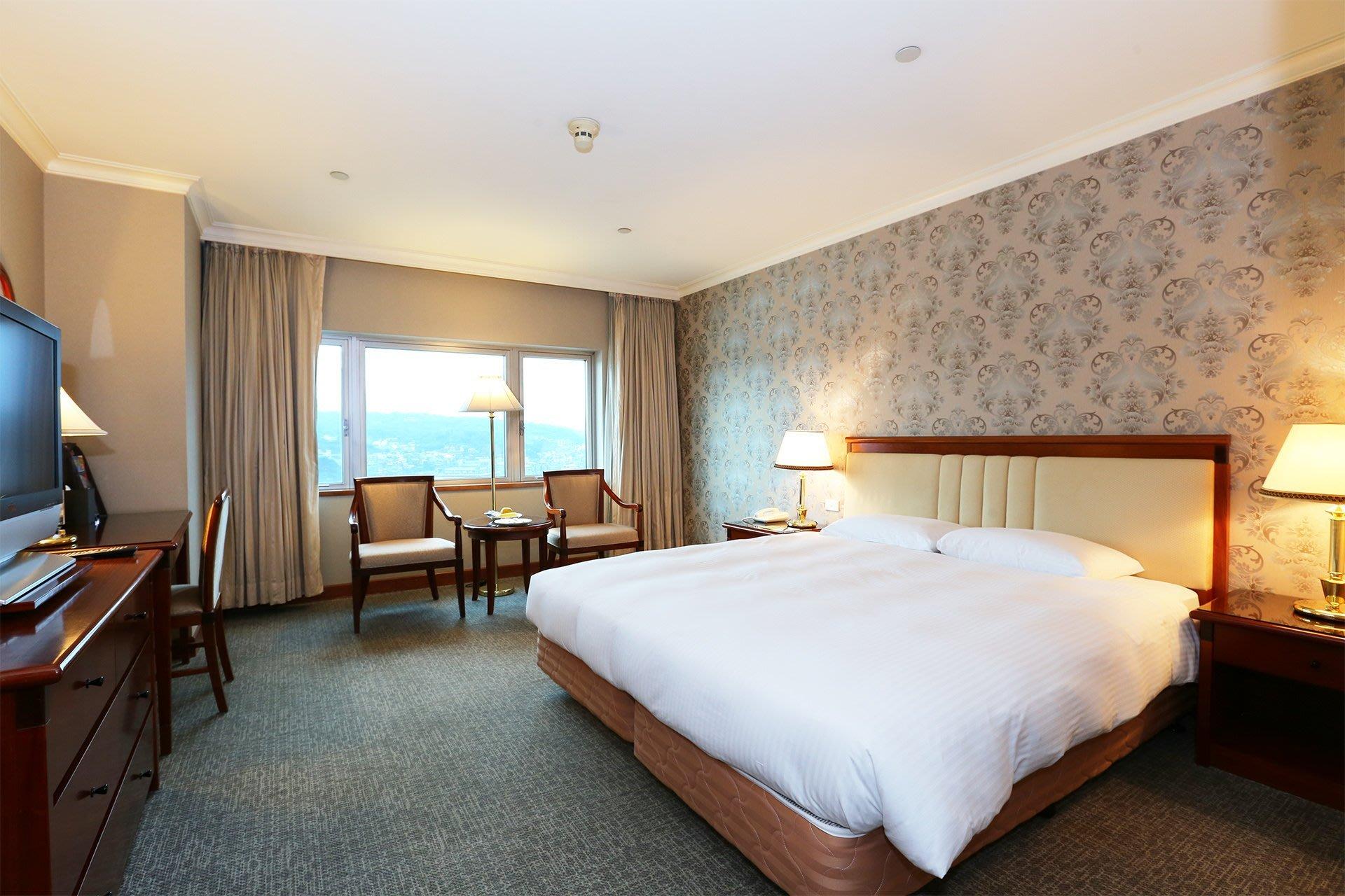 快樂GOGO**基隆**長榮桂冠酒店 海景2人房+2客早餐 3500元(附泳池)