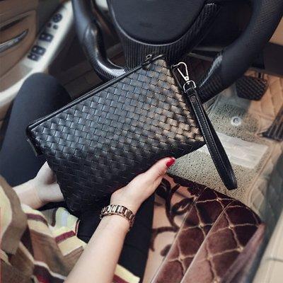【米蘭箱包】2017新款韓版男士時尚手包手工編織潮男女信封手拿包手抓包小包1710ML098