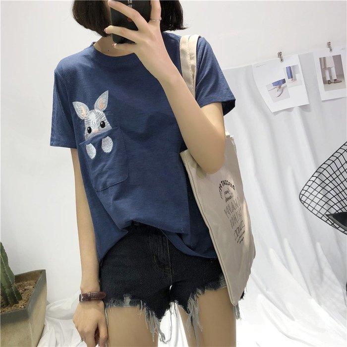 ✿✿拿鐵小姐MISS LATTE✿✿ chic 卡通可愛口袋刺繡兔  竹節棉 T恤 上衣大學T
