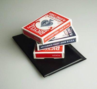 【意凡魔術小舖】神奇預言-皮夾快速出牌盒Appearing Decks