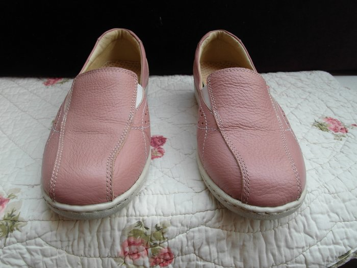浪漫滿屋 女鞋系列*A.SO休閒鞋 .帆布鞋.平底鞋.各類鞋款......40