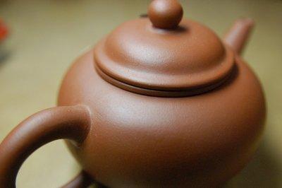 全新 90年代 中國宜興廠 庚午年製 直孔 標準壺 茶壺 10杯