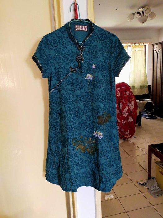 孟荷品牌中國風旗袍手染服質感很好,夏天穿不會悶熱尺寸可到小xL標是m但是非常寬鬆本人155/60穿