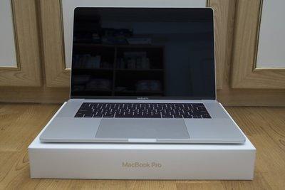 【賣】MacBook Pro Touch bar 15吋 i7 16G 256SSD 英文鍵盤 獨顯2G 蘋果電腦買賣