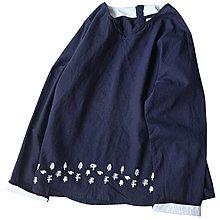 Joyce‧W~*【T20111116】☆森林系Zakka☆日系。森林系下擺小樹刺繡棉麻襯衫。2色