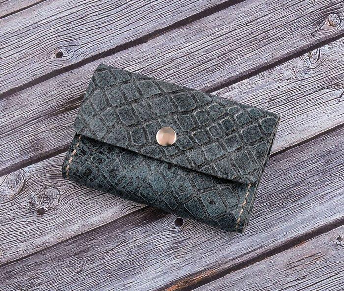 【U6.JP6 手工皮件】-純手工縫製進口牛皮藍色壓紋皮.零錢包 / 信用卡片夾 / 萬用包(男女適用)