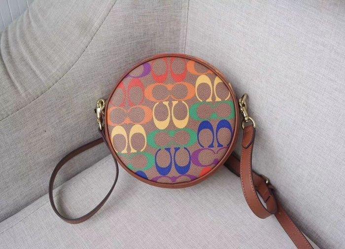 美國名品折扣店~ 特賣 COACH 708 彩虹C紋LOGO圓餅餅 小圓包 單肩包 斜挎女包 側背包