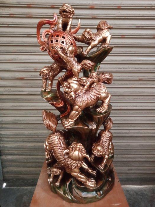 金獅戲球 台灣香樟木雕刻