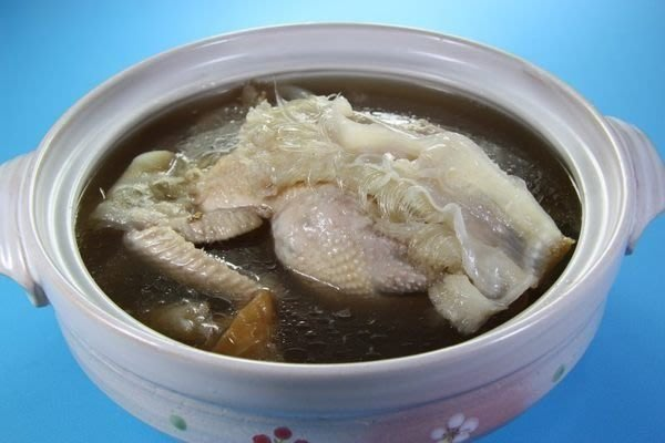 【滋補養生系列 】白鯊翅 /約600g+ 全雞人蔘湯底~絕對是真材實料~一斤白鯊翅~