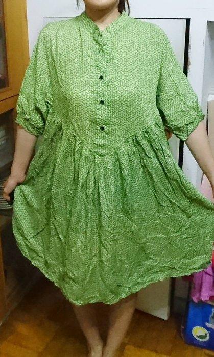 出清特賣 - 全新(現貨) -  綠色小碎花,寬鬆森林系洋裝