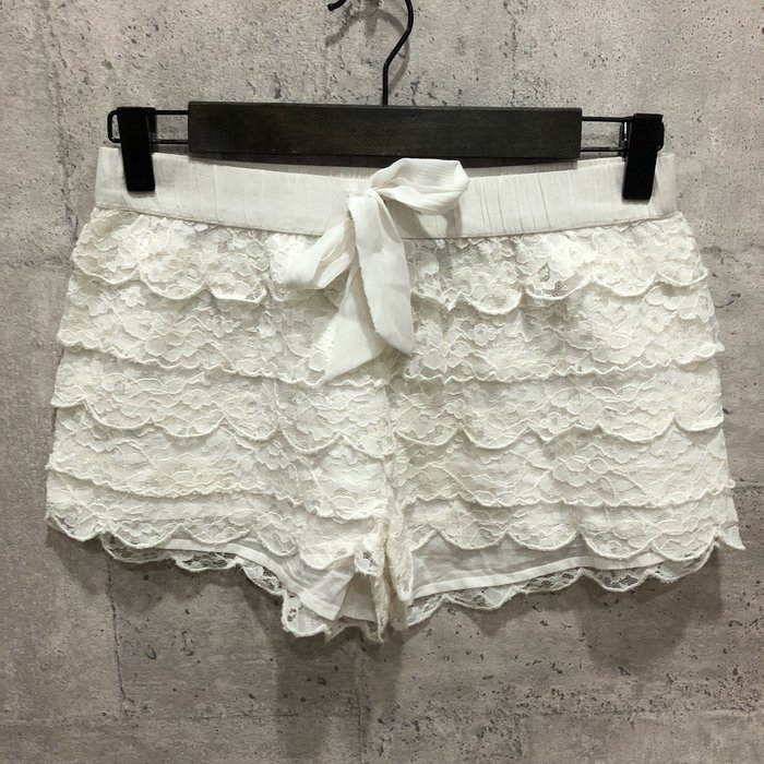 Maple麋鹿小舖 American Eagle * AE 米白色綁帶蕾絲短褲 * ( 現貨XS/S號 )