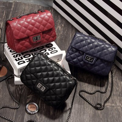 韓國連線 小香風菱格紋鍊條小方包【ZOWOO-B0125】鎖鏈包 非正韓國連線adidas附錄購物袋飲料提袋棉被收納