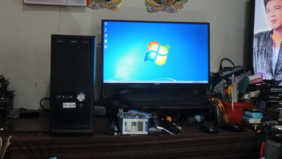 二手電腦主機-AMD FX-6300-4100 MHz-(正六核心)-(正6核心)