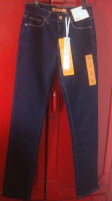 【全新】日本帶回~UNIQLO 專櫃 SKINNY FIT 彈性牛仔褲~22(56CM)